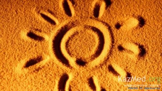 Солнце является причиной появления морщин вокруг глаз